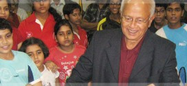 Visit of Nandu Natekar at  BBA center during 2010